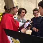06 - Generale HFF2016 - Il Vescovo (Emanuela) e il suo alter Ego (Francesco Paolo) si consultano per il punteggio da attribuire